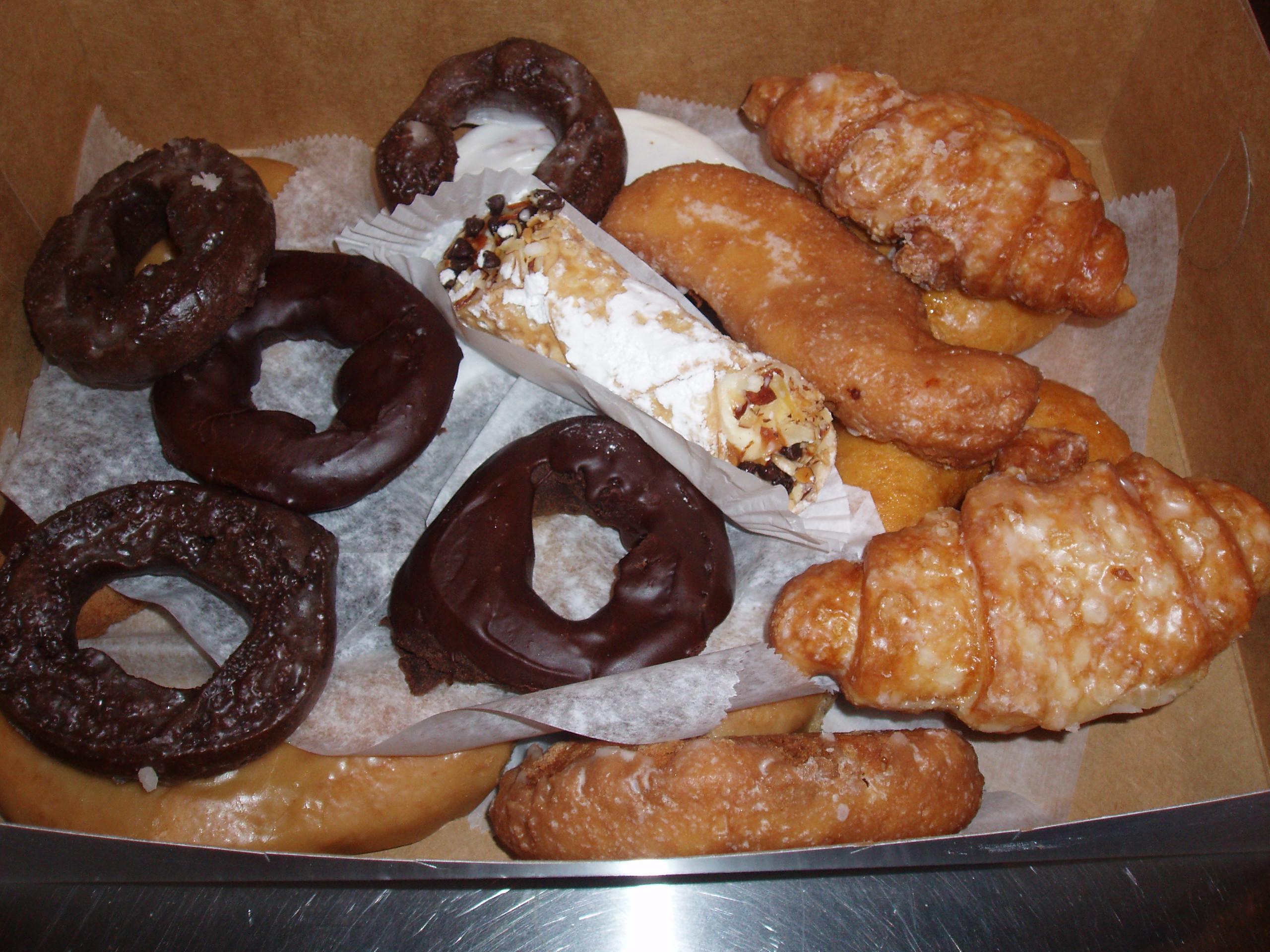 Auddinos Italian Bakery Audaciously Awesome Donuts CMH Gourmand